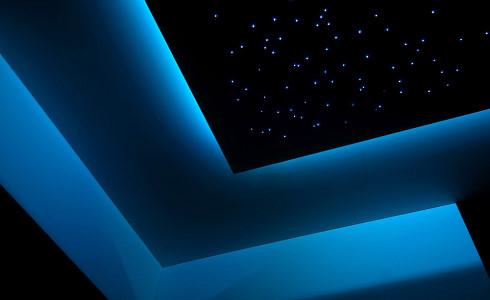 Światłowodowe gwieździste niebo (generator LED RGB) + oświetlenie dekoracyjne (taśma LED RGB)